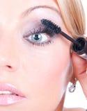 构成妇女表面睫毛处理 免版税图库摄影
