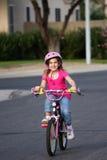 自行车骑马 免版税库存图片