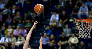 篮球射击 免版税库存图片