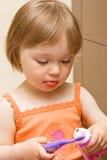 婴孩清洁牙 库存照片