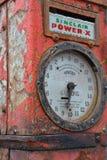 Nonfunctioning antika Rusty Gas Pump Needs Work Arkivbild