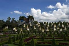 Nong Nooch庭院。 库存照片