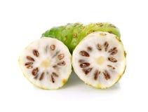 Noni frukt royaltyfri bild