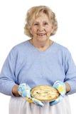 Nonna che homecooking Fotografie Stock Libere da Diritti