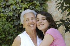 Nonna con la nipote Fotografie Stock Libere da Diritti