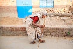 Nonna di vecchiaia molto dell'indiano (signora) Fotografia Stock Libera da Diritti