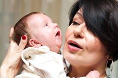 Nonna e neonata Fotografia Stock Libera da Diritti