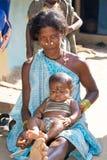 Nonna e nipote tribali indiani Immagini Stock Libere da Diritti