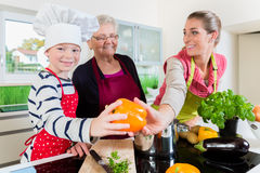 Nonna Che Cucina La Ciotola Di Mescolanza Illustrazione Di