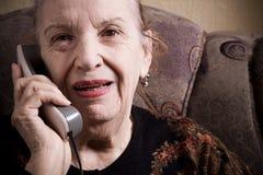 Nonna sul telefono Fotografia Stock Libera da Diritti