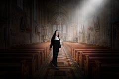 Nonne, église, religion, Dieu, chrétien, christianisme illustration de vecteur