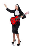 Nonne mit der Gitarre lokalisiert Lizenzfreies Stockbild