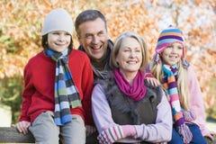 Nonni e nipoti sulla camminata Fotografia Stock