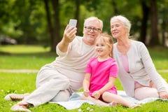Nonni e selfie senior della nipote Fotografia Stock Libera da Diritti