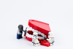 Nonthabure, Thailand - Mei, 17, 2017: Lego die stormtrooper helpen Stock Fotografie