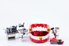 Nonthabure, Thailand - Mei, 17, 2017: Lego die stormtrooper helpen Royalty-vrije Stock Afbeeldingen