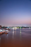 Nonthaburi,泰国- 4月10 :2016年 日落时间Pakkret是a 库存图片