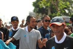 Nonthaburi - 6 Δεκεμβρίου 2017: Κατά τη διαδρομή ταϊλανδικό rocker ` Toon Bodyslam προσωπικοτήτων ` παίρνει τον τρέχοντας μαραθών Στοκ Εικόνα