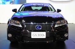 NONTHABURI - 28-ОЕ НОЯБРЯ: Автомобиль Lexus GS300h на дисплее на 30t стоковое фото rf