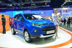 NONTHABURI - 12月1日:福特Ecosport在泰国的汽车显示我 库存图片
