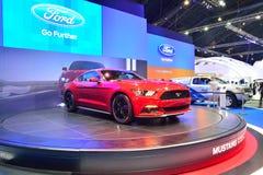 NONTHABURI - 12月1日:Ford Mustang 2 3L ecoboost汽车显示 免版税库存图片