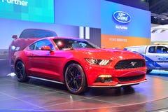 NONTHABURI - 12月1日:Ford Mustang 2 3L ecoboost汽车显示 免版税库存照片