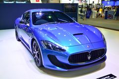 NONTHABURI - 12月1日:Maserati Granturismo在Tha的汽车显示 库存照片