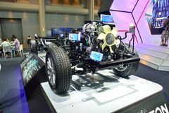 NONTHABURI - 1º DE DEZEMBRO: Despido ou descubra Mitsubishi Triton novo imagem de stock
