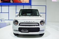NONTHABURI - 1º DE DEZEMBRO: Exposição do carro de Suzuki Lapin Chocolat no Th Imagens de Stock
