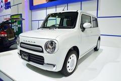 NONTHABURI - 1º DE DEZEMBRO: Exposição do carro de Suzuki Lapin Chocolat no Th Imagem de Stock