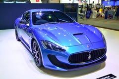 NONTHABURI - 1 DE DICIEMBRE: Exhibición del coche de Maserati Granturismo en Tha Fotos de archivo