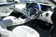 NONTHABURI - 23 DE MARZO: Diseño interior de NUEVA Mercedes Benz S500 Fotografía de archivo