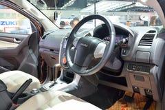NONTHABURI - 1 DECEMBER: Binnenlands ontwerp van Isuzu mu-x SUV-auto D Stock Fotografie