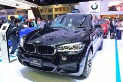 NONTHABURI - DECEMBER 1: BMW X6 xdrive 30d SUV bilskärm Arkivfoton