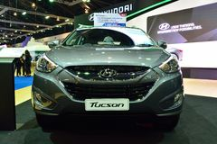 NONTHABURI - 1 DECEMBER: De autovertoning van Hyundai Tucson SUV in Thail Royalty-vrije Stock Foto