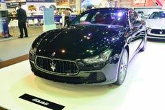 NONTHABURI - 1 DECEMBER: De autovertoning van Maserati Ghibli in Thailand Stock Foto's