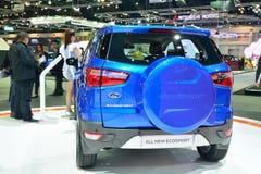 NONTHABURI - DECEMBER 1: Ford Ecosport bilskärm på Thailand I Arkivbild