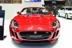 NONTHABURI - 1 DECEMBER: Jaguar-F-Type autovertoning in Thailand I Royalty-vrije Stock Afbeelding