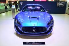 NONTHABURI - DECEMBER 1: Maserati Granturismo bilskärm på Tha Fotografering för Bildbyråer
