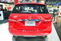 NONTHABURI - DECEMBER 1: Mercedes BenZ B 200 bilskärm på thailändskt Arkivbilder
