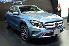 NONTHABURI - DECEMBER 1: Mercedes BenZ GLA 200 bilskärm på Th Arkivfoton