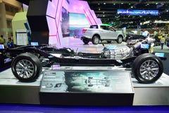 NONTHABURI - DECEMBER 1: Naket eller avtäck Mitsubishi nya Triton Arkivfoto