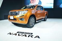 NONTHABURI - DECEMBER 1: Ny Nissan Navara NP 300 bilskärm på Arkivfoto