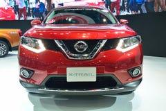 NONTHABURI - DECEMBER 1: Nya Nissan X-Trail, SUV bilskärm på Royaltyfri Bild