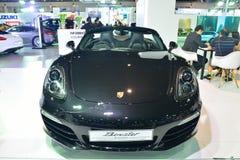 NONTHABURI - DECEMBER 1: Porsche Boxster bilskärm på Thailand Arkivbild