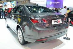 NONTHABURI - DECEMBER 1: Skärm för bil för special upplaga för MG 6 sedan Arkivfoton
