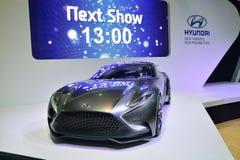 NONTHABURI - DECEMBER 1: Skärm för Hyundai HND-9 begreppsbil på Th Royaltyfri Foto