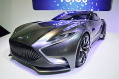 NONTHABURI - DECEMBER 1: Skärm för Hyundai HND-9 begreppsbil på Th Arkivbilder