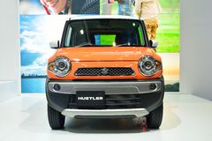 NONTHABURI - DECEMBER 1: Suzuki Hustler bilskärm på Thailand Royaltyfri Bild