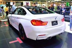 NONTHABURI - 1° DICEMBRE: Esposizione dell'automobile del coupé di BMW M4 alla Tailandia dentro immagine stock